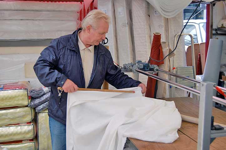 Schuimrubber Kopen Op De Markt.Markt Voor Schuimrubber En Stoffen In Rotterdam